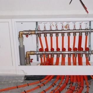 Instalacja rurowa  do podłogi