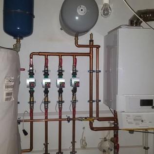 Rury bezliznikowe i gzejnik wody instalacja